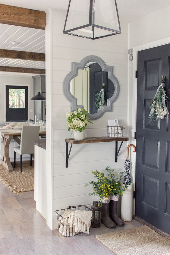 Foyer Style: Mirror