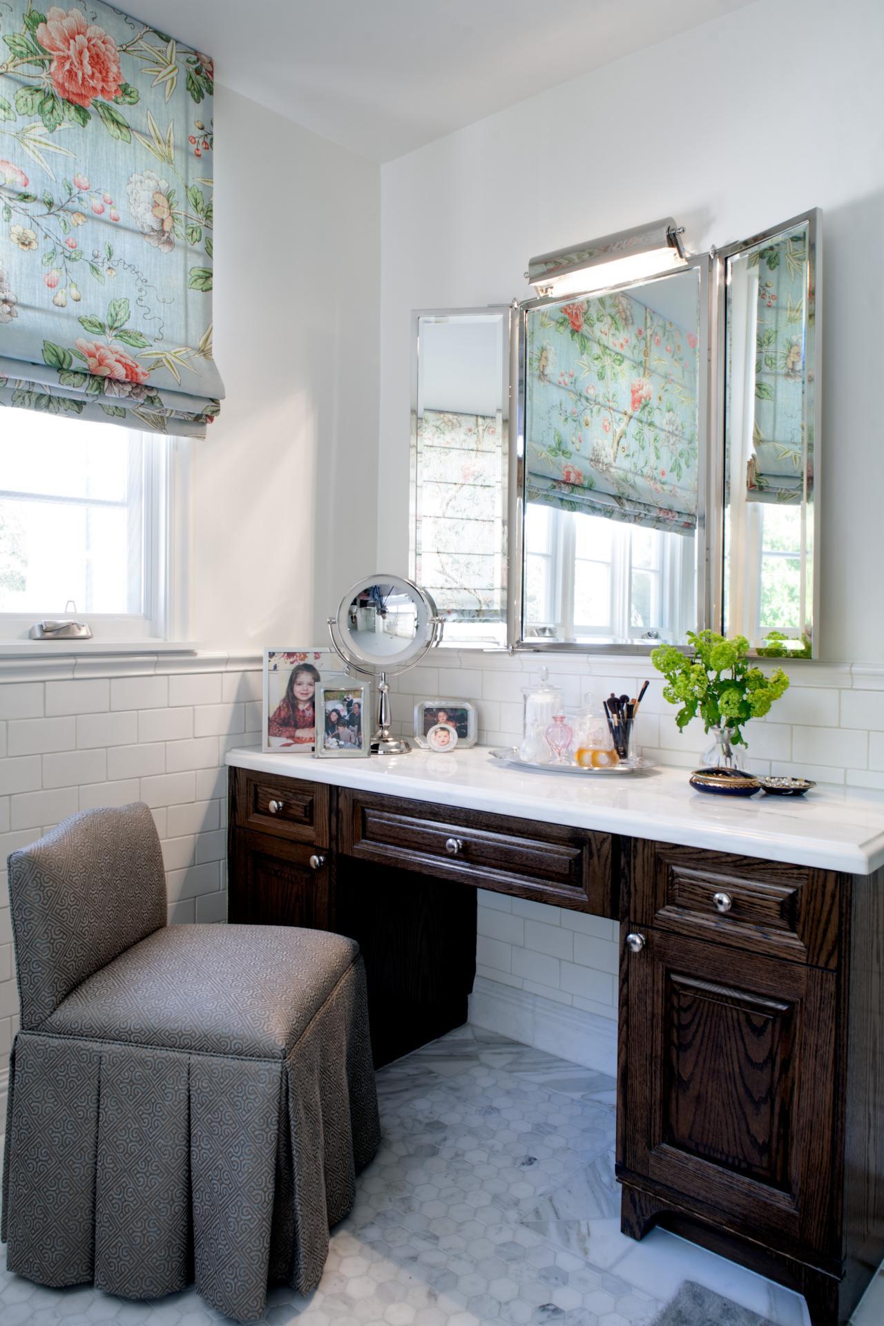 Make up vanity in bathroom remodel