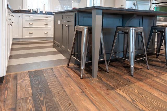Coastal Kitchen: Flooring