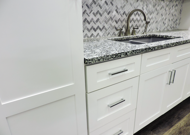 White-Shaker- Cabinets Display