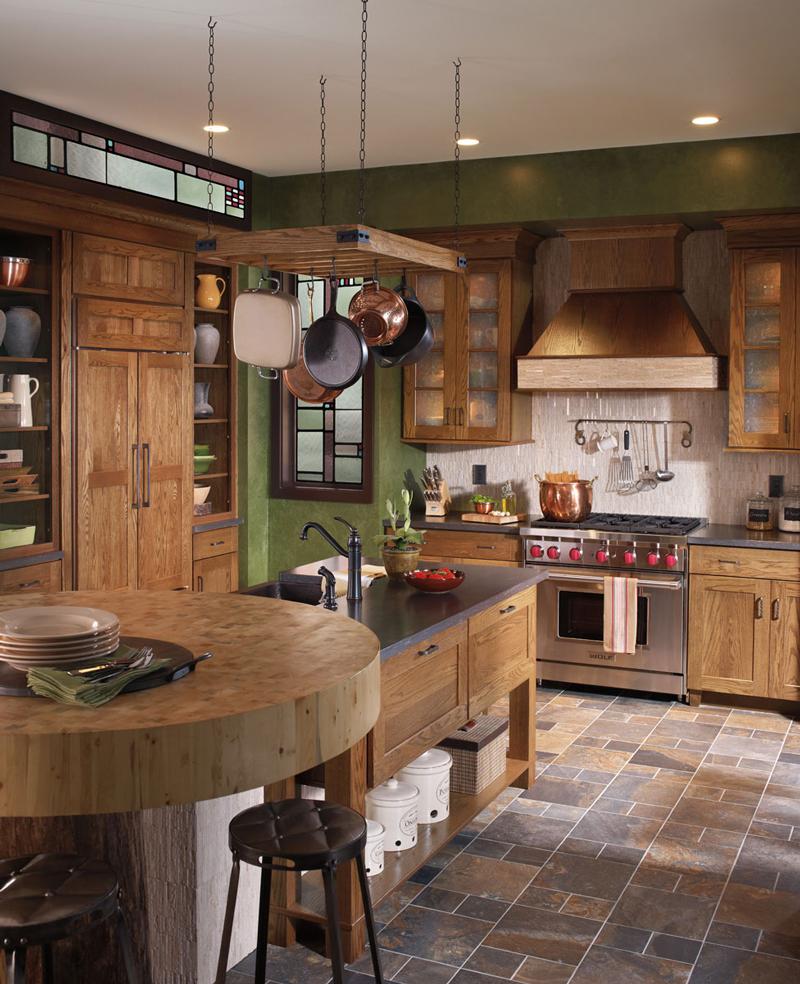 Rustic-Cabinets---Waypoint-650-Oak-Tawny
