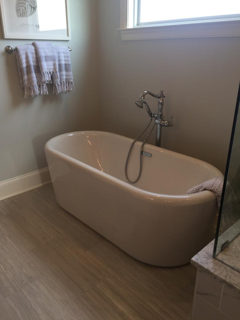 freestanding tub homearama 2017