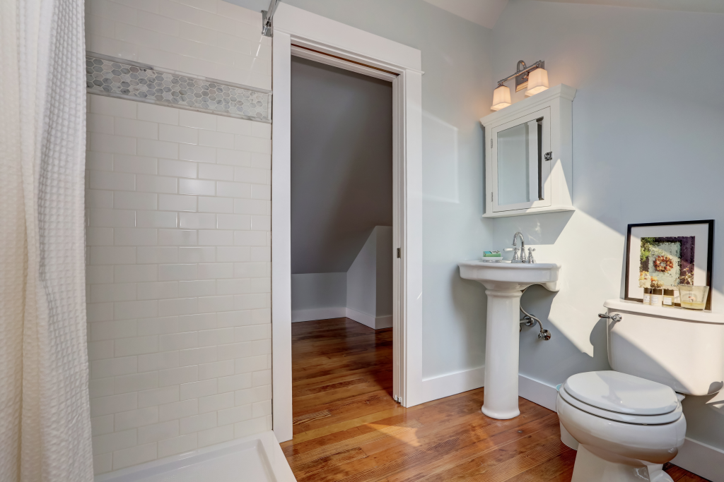 bathroom sink pedestal