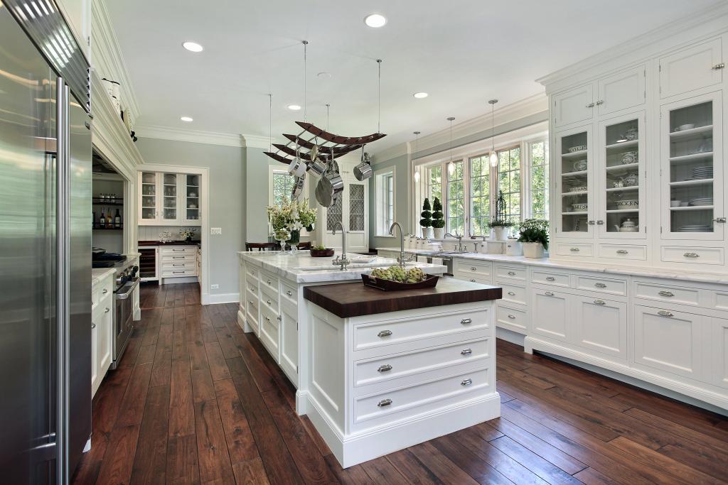white timeless kitchens